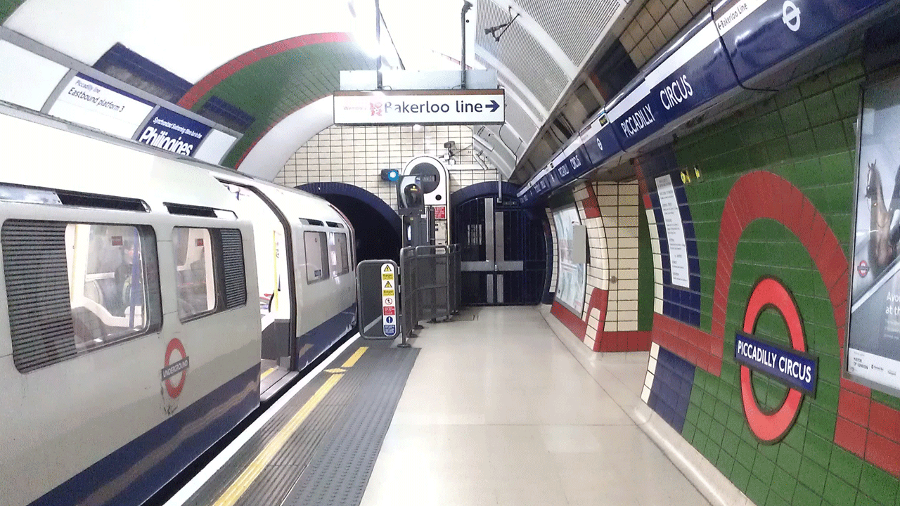 Piccadilly Circus underground station