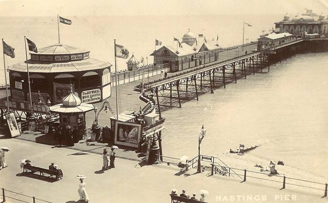 1910 postcard of Hastings Pier