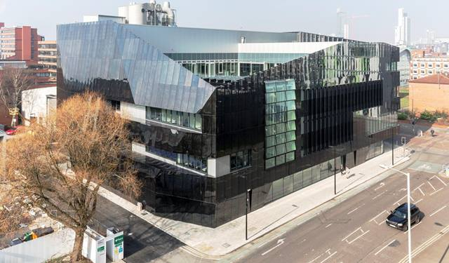 Daniel Shearing. Ramboll - National Graphene Institute, view from South East corner.